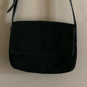 Urban Outfitters black crossbody bag🌻